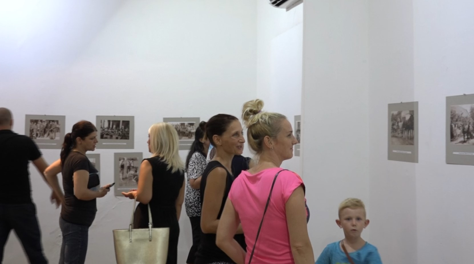 Izložba fotografija Vračev Gaj u prošlosti