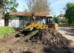 Počelo čišćenje kanala za odvod atmosferskih padavina