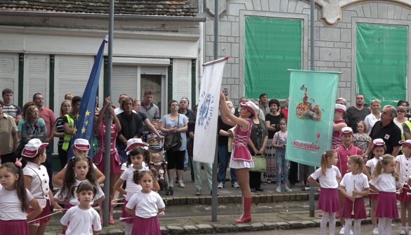 Belocrkvanski karneval podizanje zastava