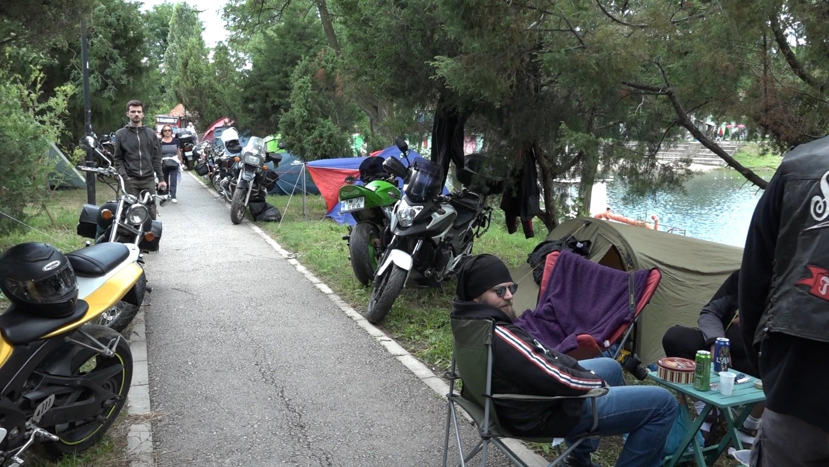 moto klub apac moto zurka bela crkva