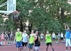 """Turnir u basketu """"3 na 3"""" u Železničkom parku (VIDEO)"""