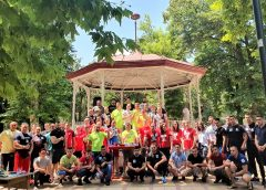 Takmičenje u sportskom obaranju ruku održano u Gradskom parku (VIDEO)