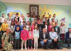 Predsednik opštine Bela Crkva obišao đake prvake (VIDEO)